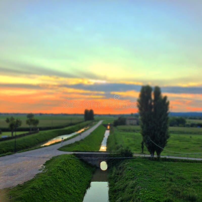 Italiaanse Plattelandszonsondergang royalty-vrije stock foto