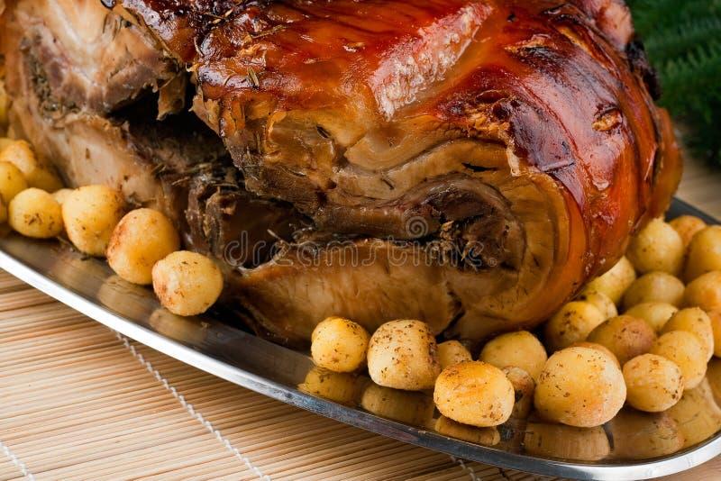 Italiaanse Porchetta met Nieuwe Aardappels royalty-vrije stock foto