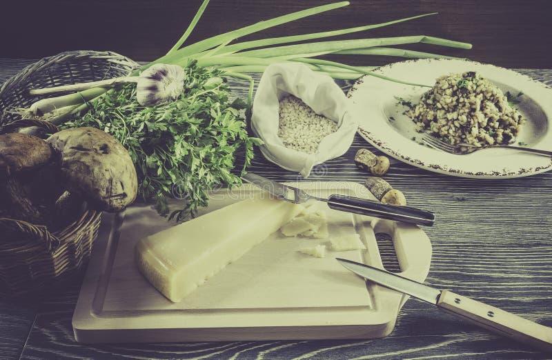 Italiaanse risottoingrediënten royalty-vrije stock afbeeldingen