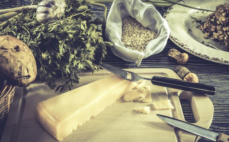 Italiaanse risottoingrediënten stock afbeelding