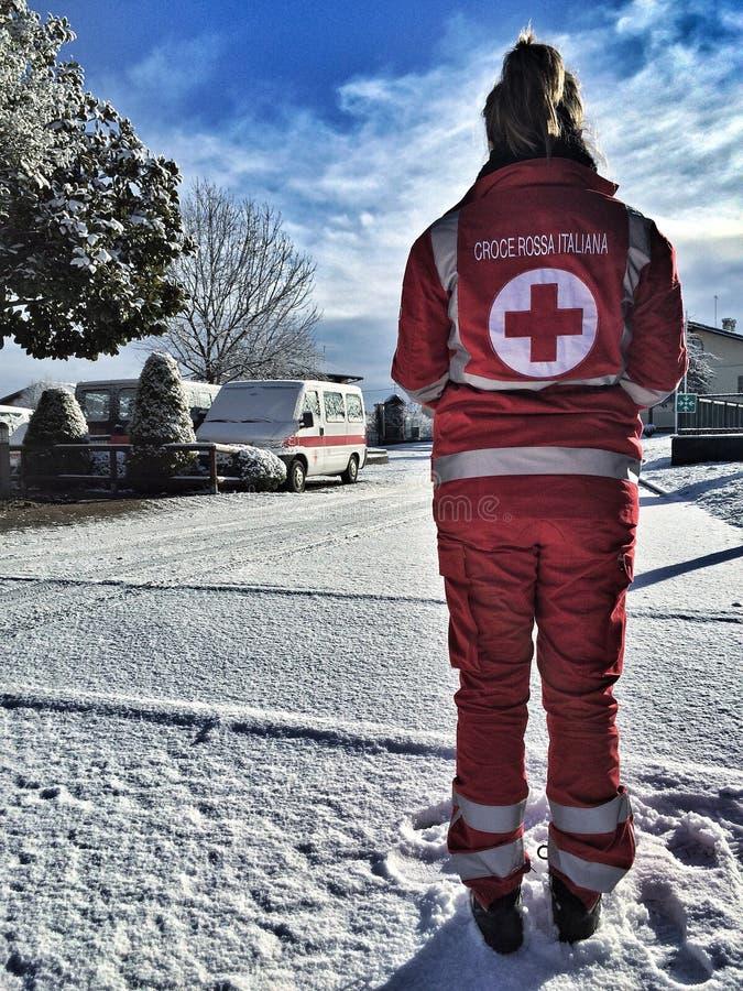 Italiaanse Rood Kruisvrijwilliger stock afbeeldingen