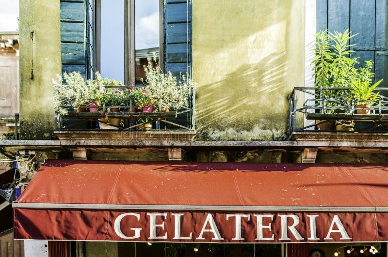 Italiaanse roomijswinkel stock foto's