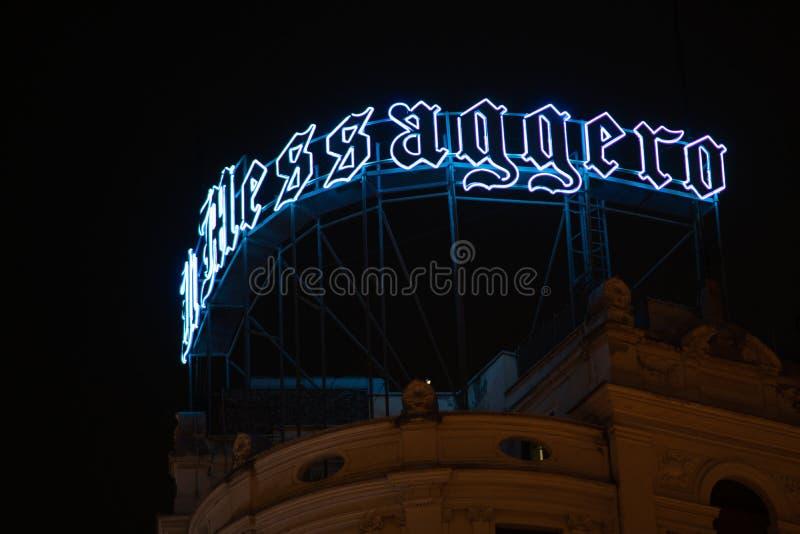 Italiaanse signage van krantenil Messaggero, Rome, Italië stock afbeelding