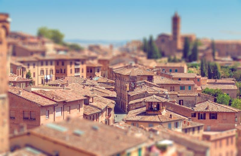 Italiaanse stad met schuine stand-verschuiving effect royalty-vrije stock foto