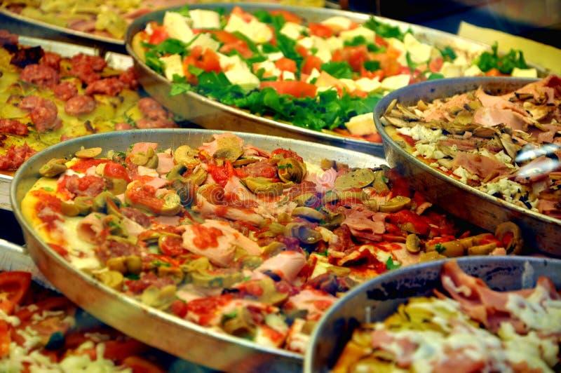 Italiaanse traditionele pizza royalty-vrije stock foto