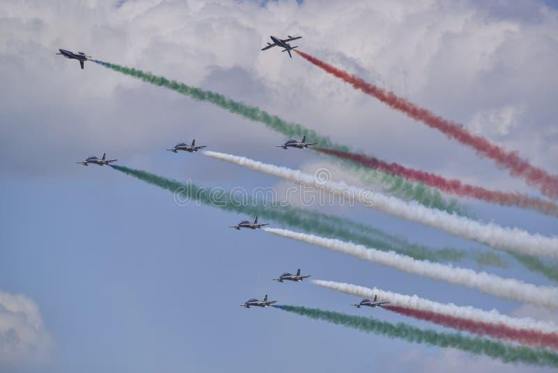 Italiaanse tricolori van het luchtvaartteam frecce royalty-vrije stock foto