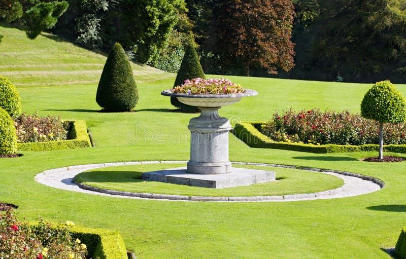 Italiaanse tuinen in powerscourt in ierland stock foto for Jardines italianos