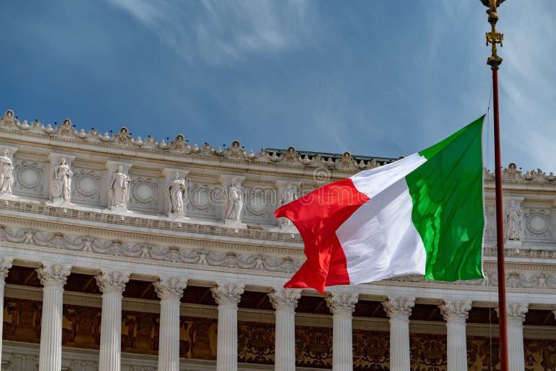 Italiaanse vlag van groene wit van Italië en rood in Rome royalty-vrije stock afbeeldingen