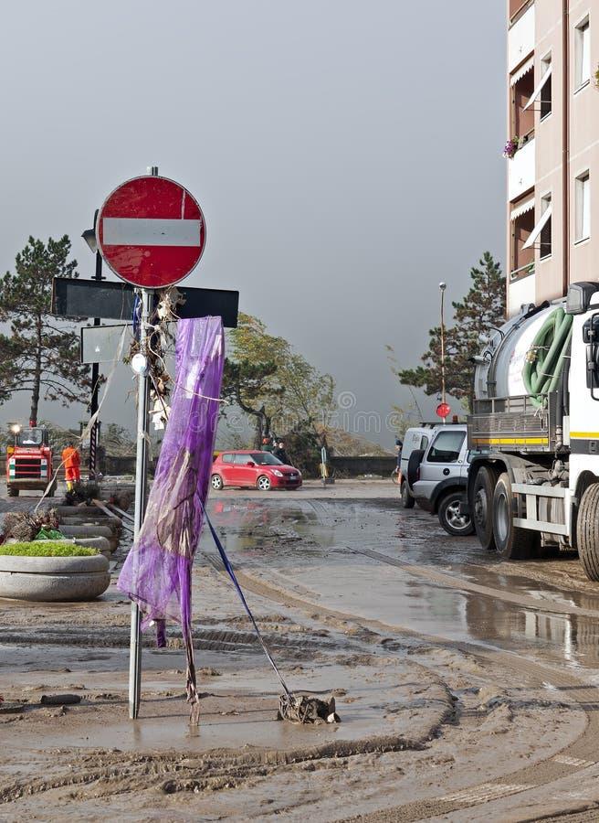 Italiaanse vloednasleep - geen ingangsverkeersteken royalty-vrije stock foto