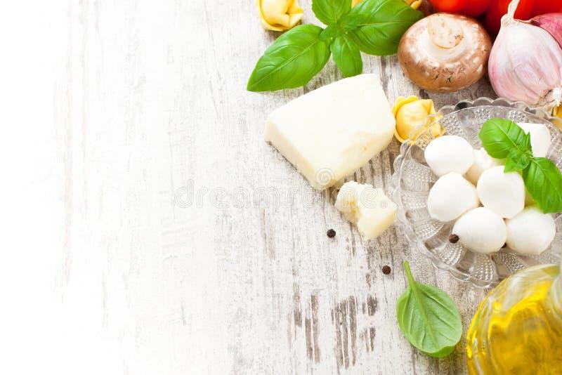 Italiaanse voedselachtergrond stock afbeeldingen