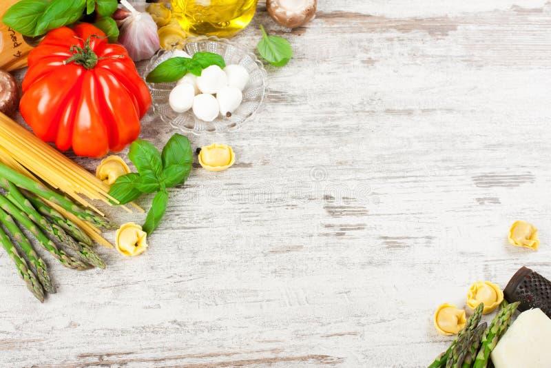 Italiaanse voedselachtergrond royalty-vrije stock foto