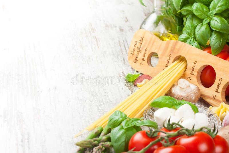 Italiaanse voedselachtergrond stock afbeelding