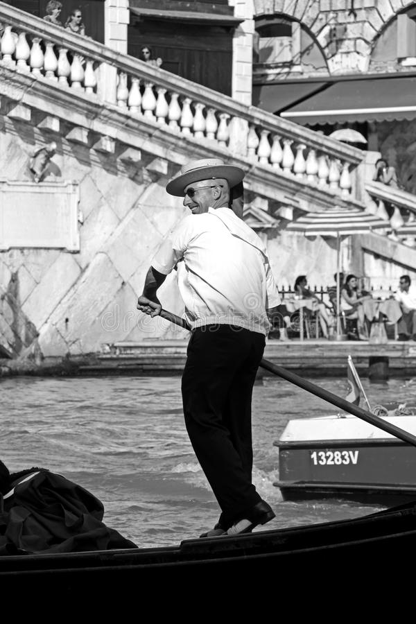 Download Italian Gondolier And Tourists Editorial Photo - Image: 16189226