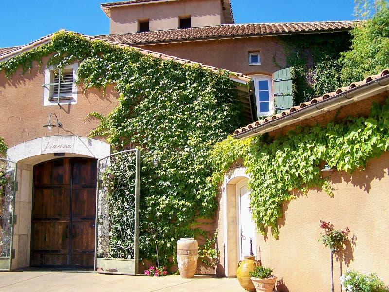 Italianate Kalifornien Weinkellerei   lizenzfreie stockbilder