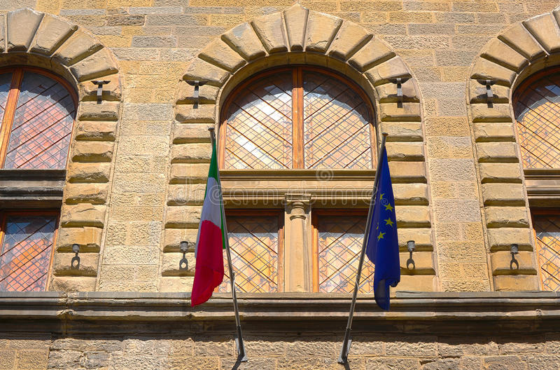 Italiano e bandeiras da UE fotos de stock royalty free