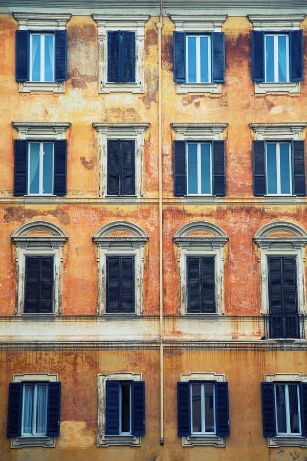 Download Italien de façade photo stock. Image du construction, italien - 8654104