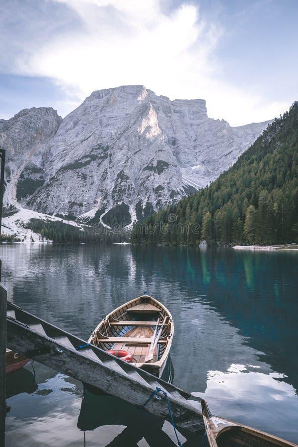 Italien Dolomity - Lago di Braies lizenzfreie stockfotografie