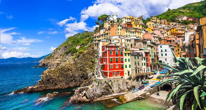 Italien gränsmärken, sceniska Riomaggiore, Cinque Terre, Liguria, Itay arkivbild