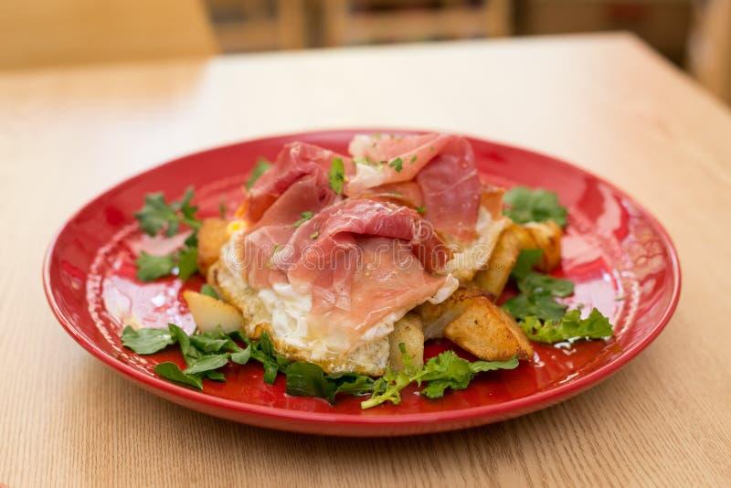 Italien Huevos Rotos image stock
