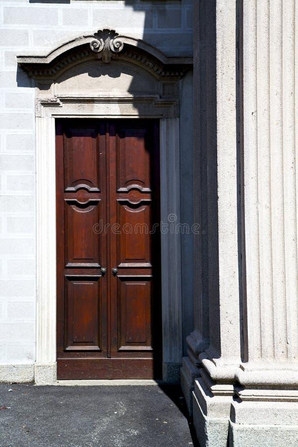 Italien Lombardei im besnate schloss Ziegelsteinschritt w lizenzfreies stockfoto