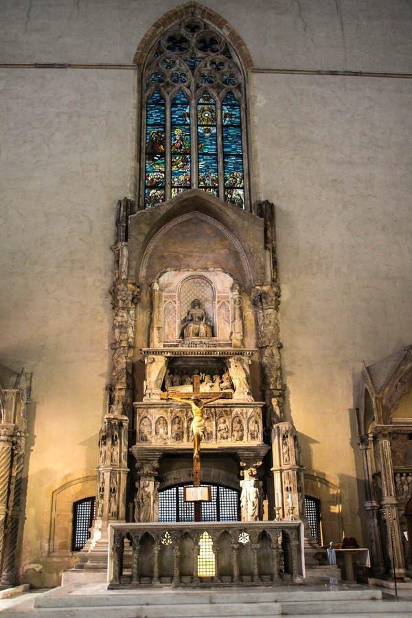 ITALIEN - NAPOLI - Basilikadi Santa Chiara (interno) stockfotografie