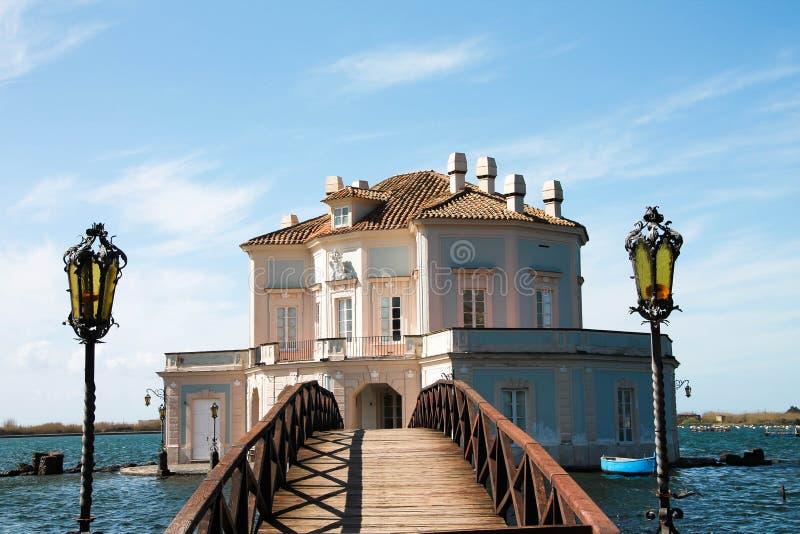 Italien - NAPOLI - Lago-fusaro, Casina Vanvitelliana lizenzfreies stockfoto