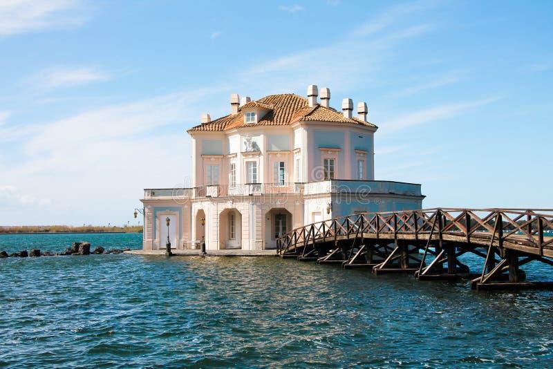 Italien - NAPOLI - Lago-fusaro, Casina Vanvitelliana lizenzfreie stockbilder