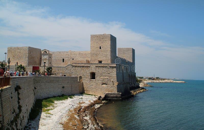 Italien Puglia, fästning i Trani royaltyfri foto