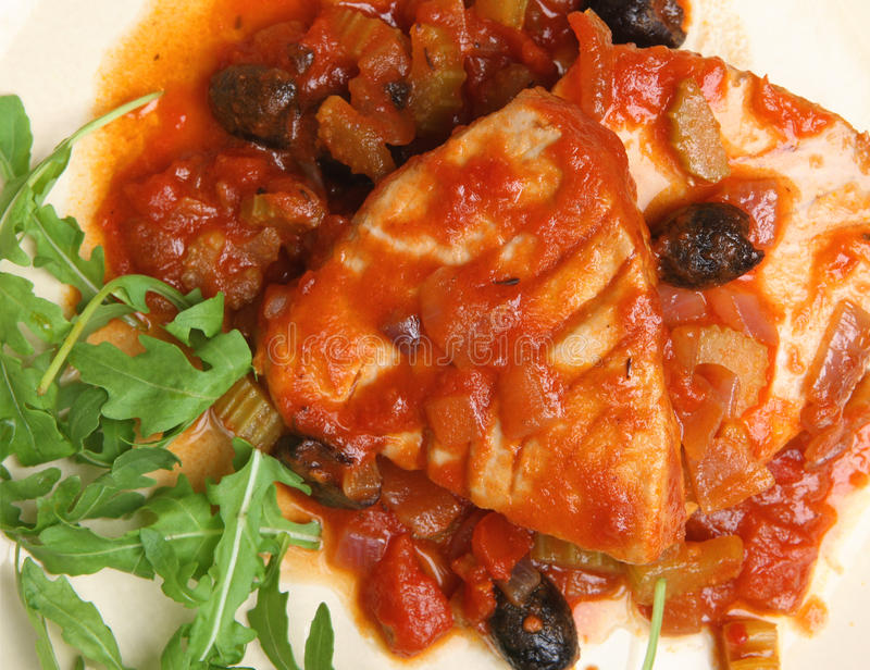 Italien Tuna With Tomato et sauce au vin blanche photos libres de droits