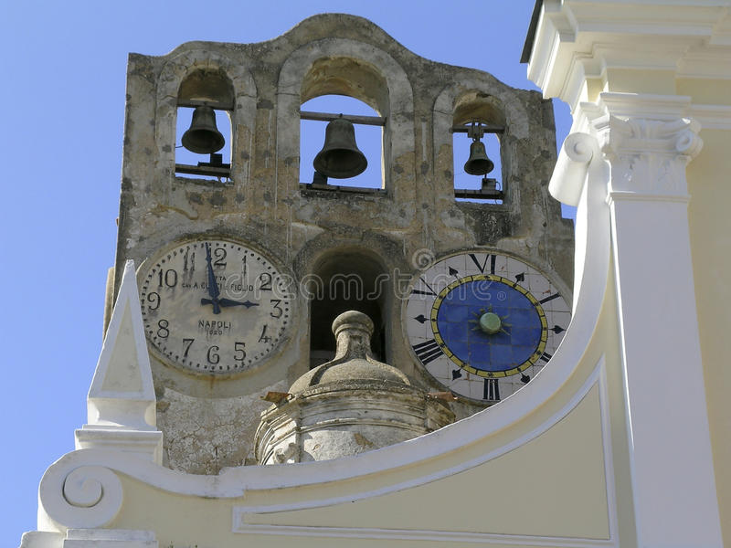 Italien Uhr und Glockenturm in Anacapri stockfoto