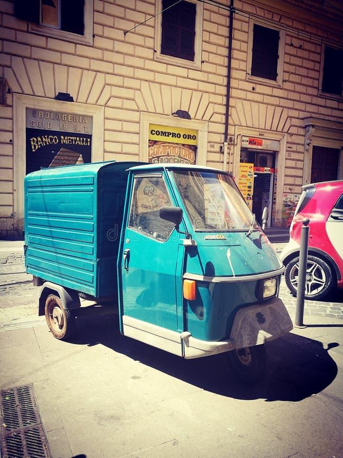 Italienare Tuk Tuk arkivbild