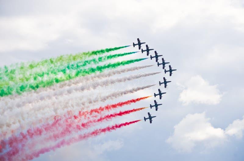 ItalienareFrecce Tricolori bildande på Radom Airshow, Polen royaltyfri bild