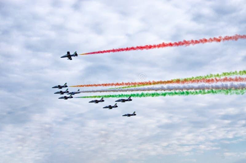 ItalienareFrecce Tricolori bildande på Radom Airshow, Polen arkivfoton