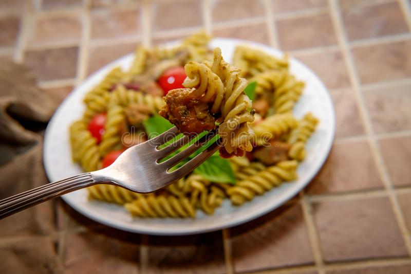 Italiener Rotini Alla Pesto stockbild