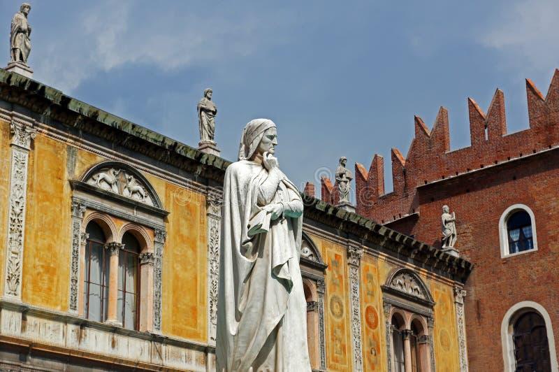 Italienische Architektur lizenzfreie stockfotografie