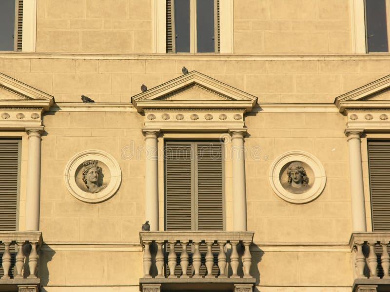 Italienische Fenster Lizenzfreies Stockfoto
