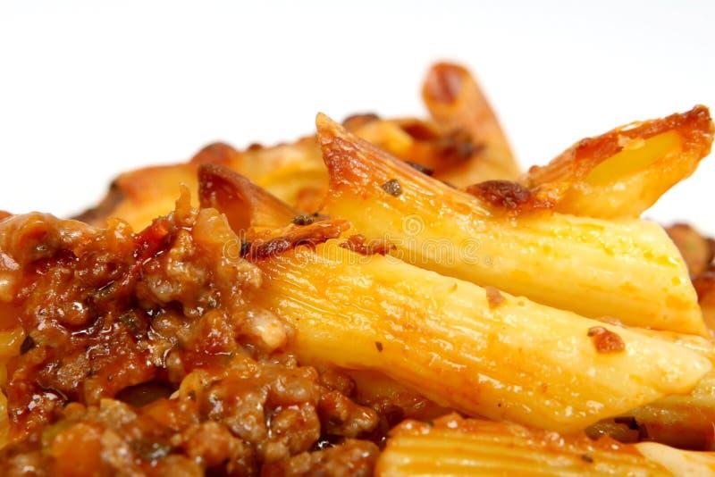 Italienische Lasagne, zerkleinern Fleisch mit Teigwarenkäsesoße lizenzfreie stockfotografie
