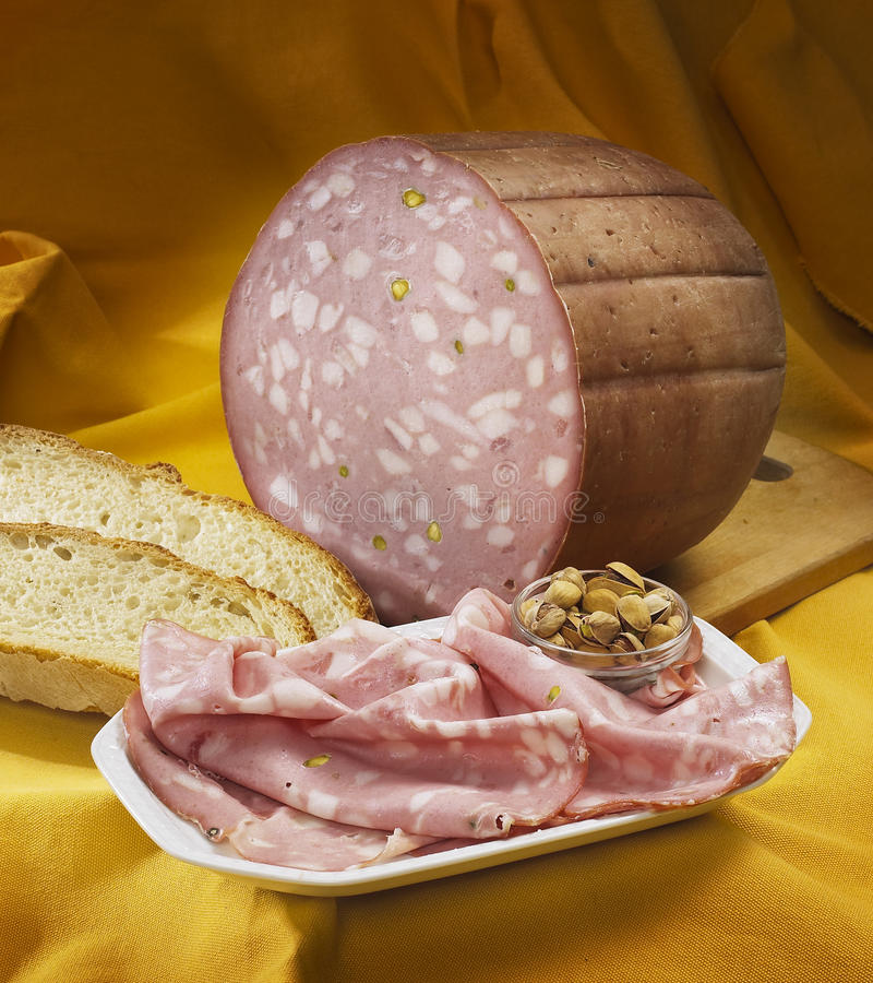 Italienische Mortadella lizenzfreies stockfoto