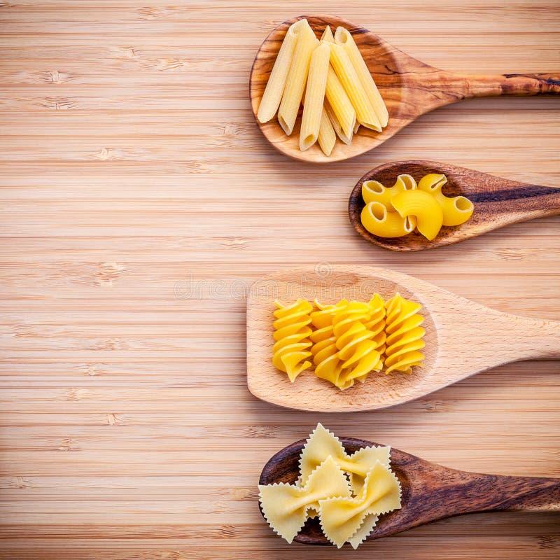 Italienische Nahrungsmittel Konzept und Menüdesign Verschiedene Art von Teigwaren-EL stockbilder