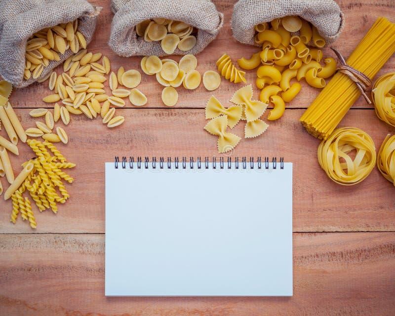 Italienische Nahrungsmittel Konzept und Menüdesign Verschiedene Art von Teigwaren-EL stockfoto