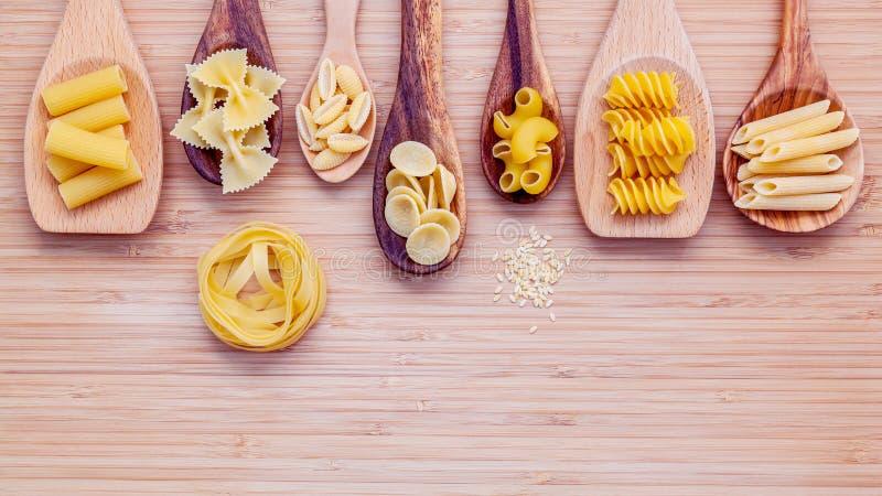 Italienische Nahrungsmittel Konzept und Menüdesign Verschiedene Art von Teigwaren weit stockfoto