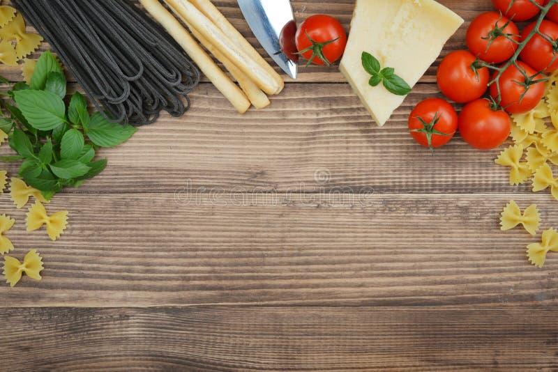 Italienische Nahrungsmittelbestandteile lizenzfreie stockbilder