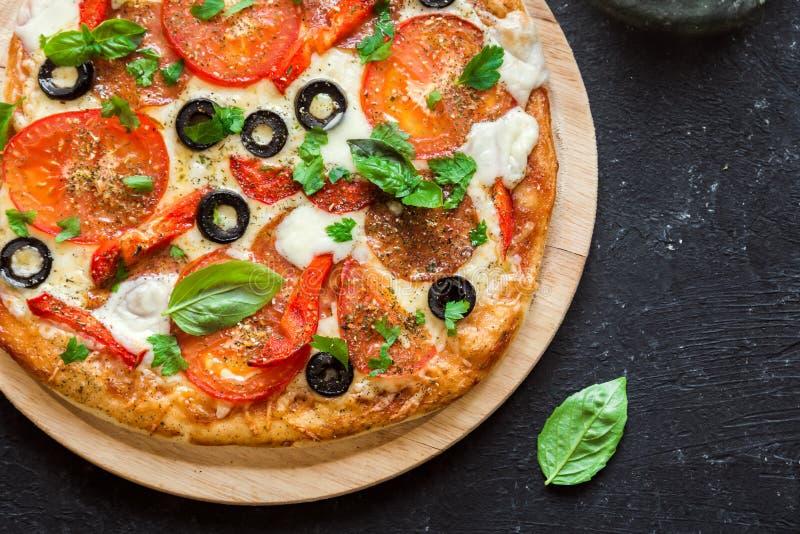 Italienische Pizza lizenzfreies stockbild