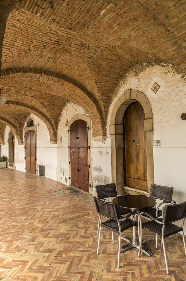 Italienische Säulenhalle lizenzfreie stockbilder