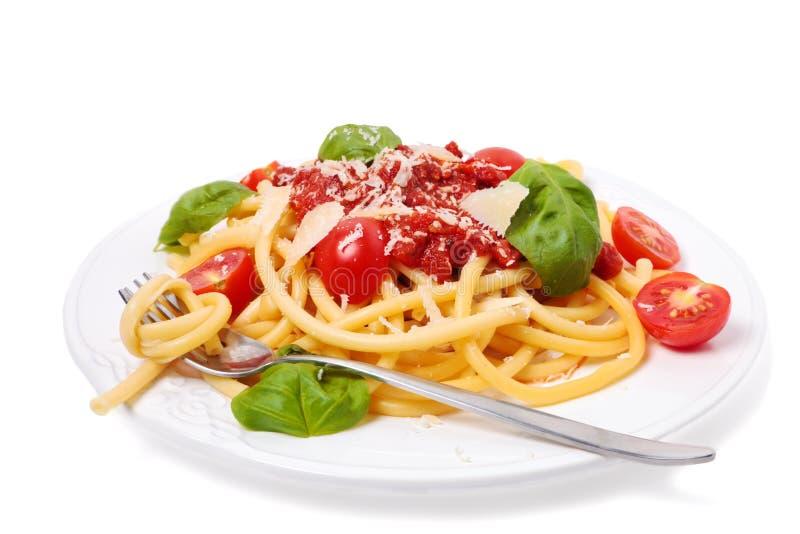 Italienische Teigwaren mit Tomatensauce lizenzfreie stockbilder