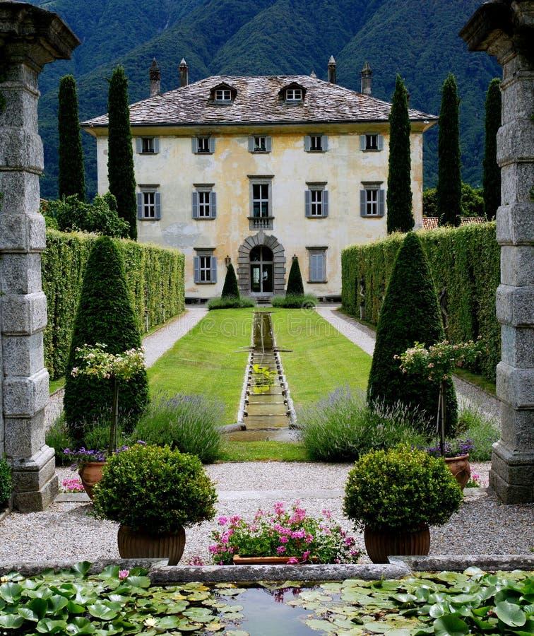 Italienische Villa stockfotografie