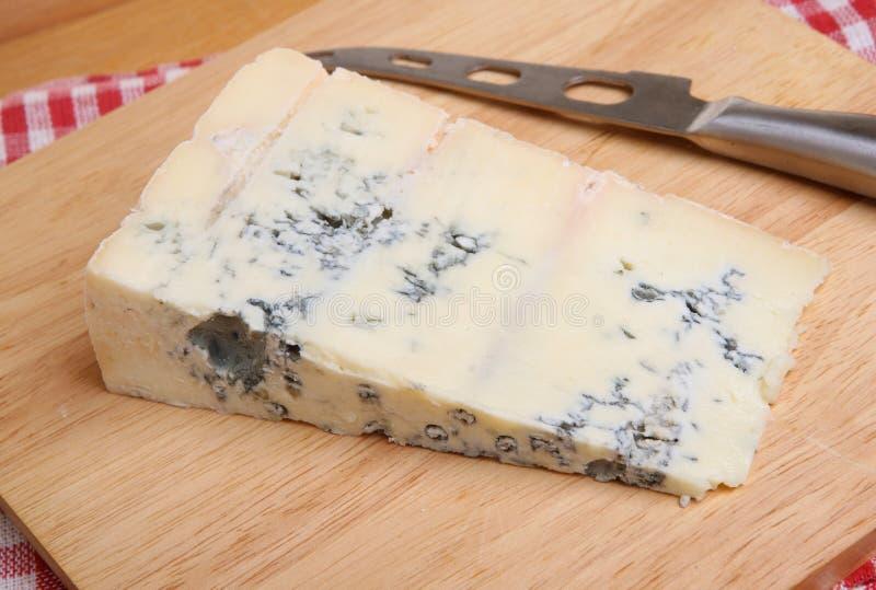 Italienischer Blauschimmelkäse Gorgonzola lizenzfreie stockbilder