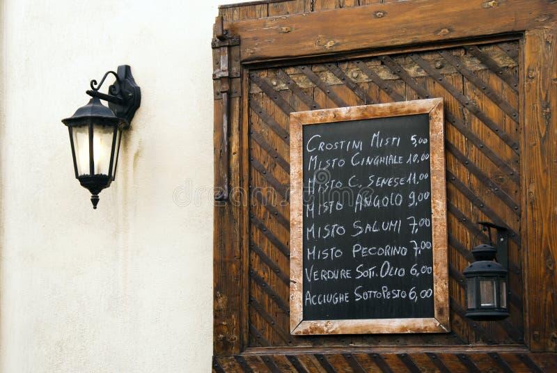 Italienischer Gaststättemenüvorstand stockfotografie