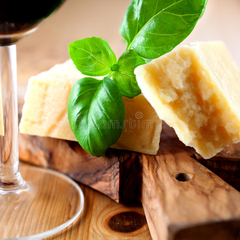 Italienischer Grana Padano Käse lizenzfreies stockfoto