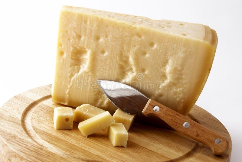Italienischer Käse - grana padano lizenzfreie stockbilder